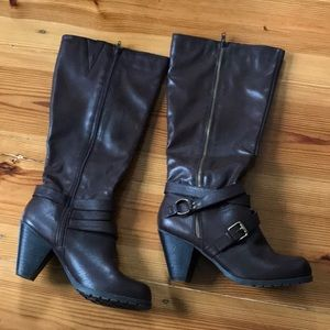 Crown vintage wide calf heeled boots Sz 11M